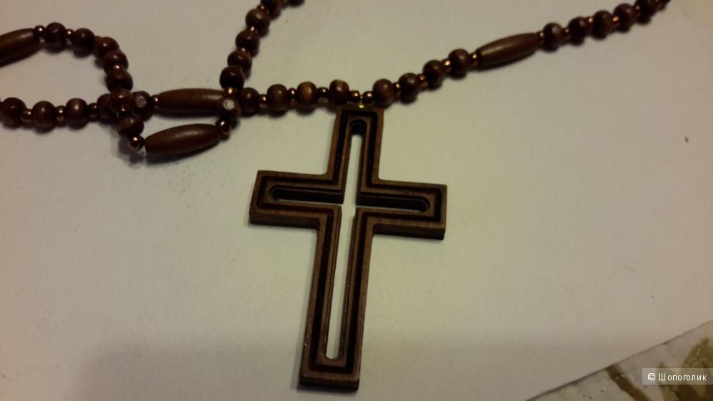 Крест из ценных пород дерева и бусин из Армении новый