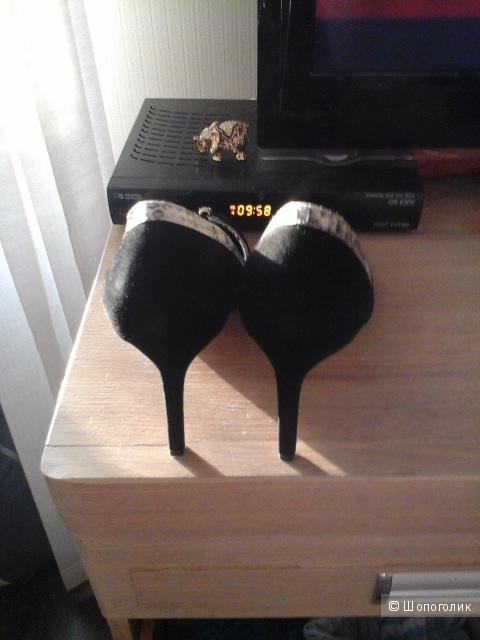 Новые туфли натуральная замша размер 38