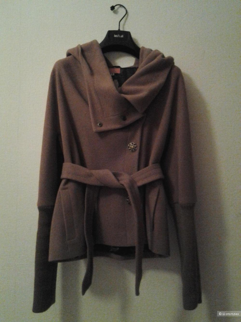 Пальто новое российского дизайнера