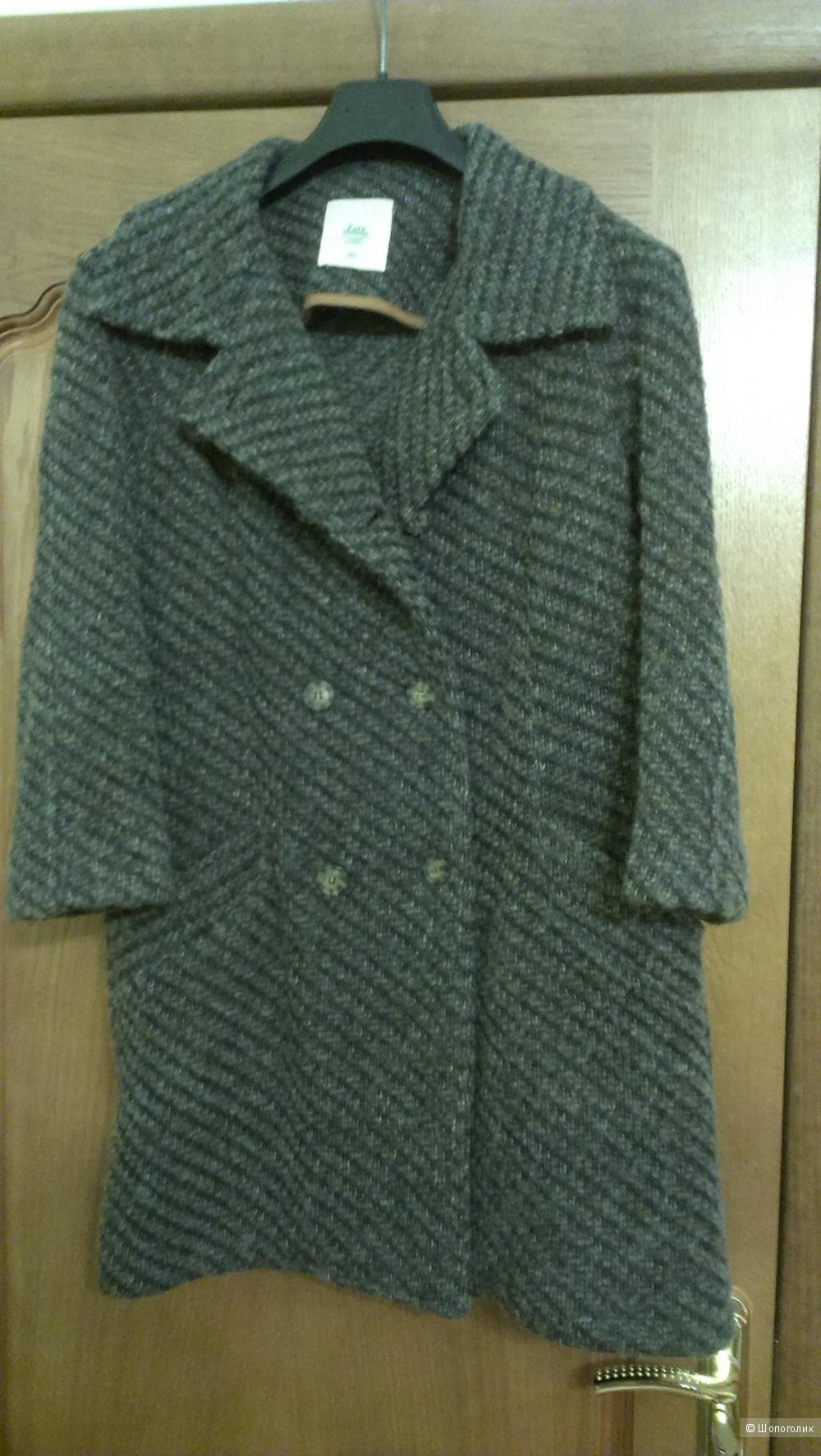 Теплое шерстяное пальто ZARA в отличном состоянии