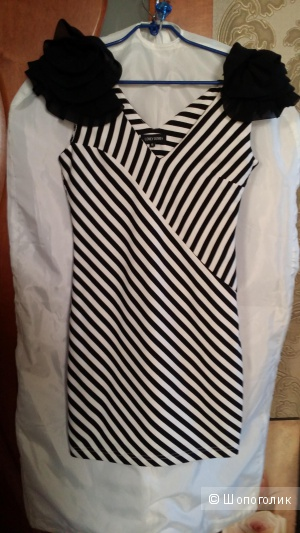 Трикотажное платье Lovey Dovey 40-42 размера