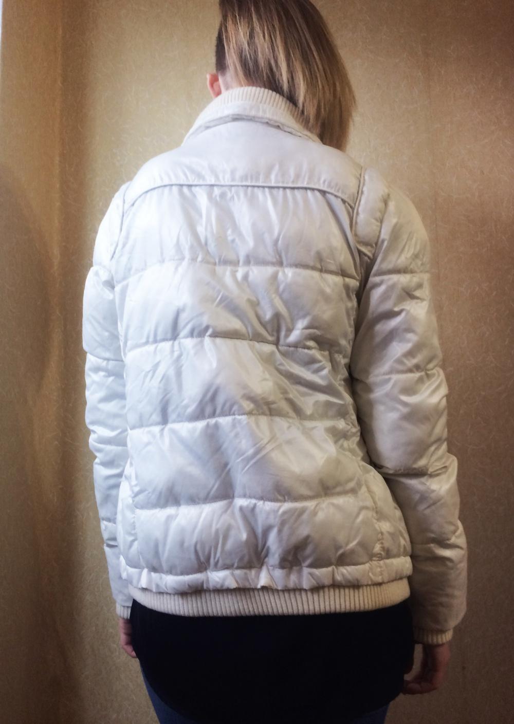 Белая тёплая куртка ТВОЁ