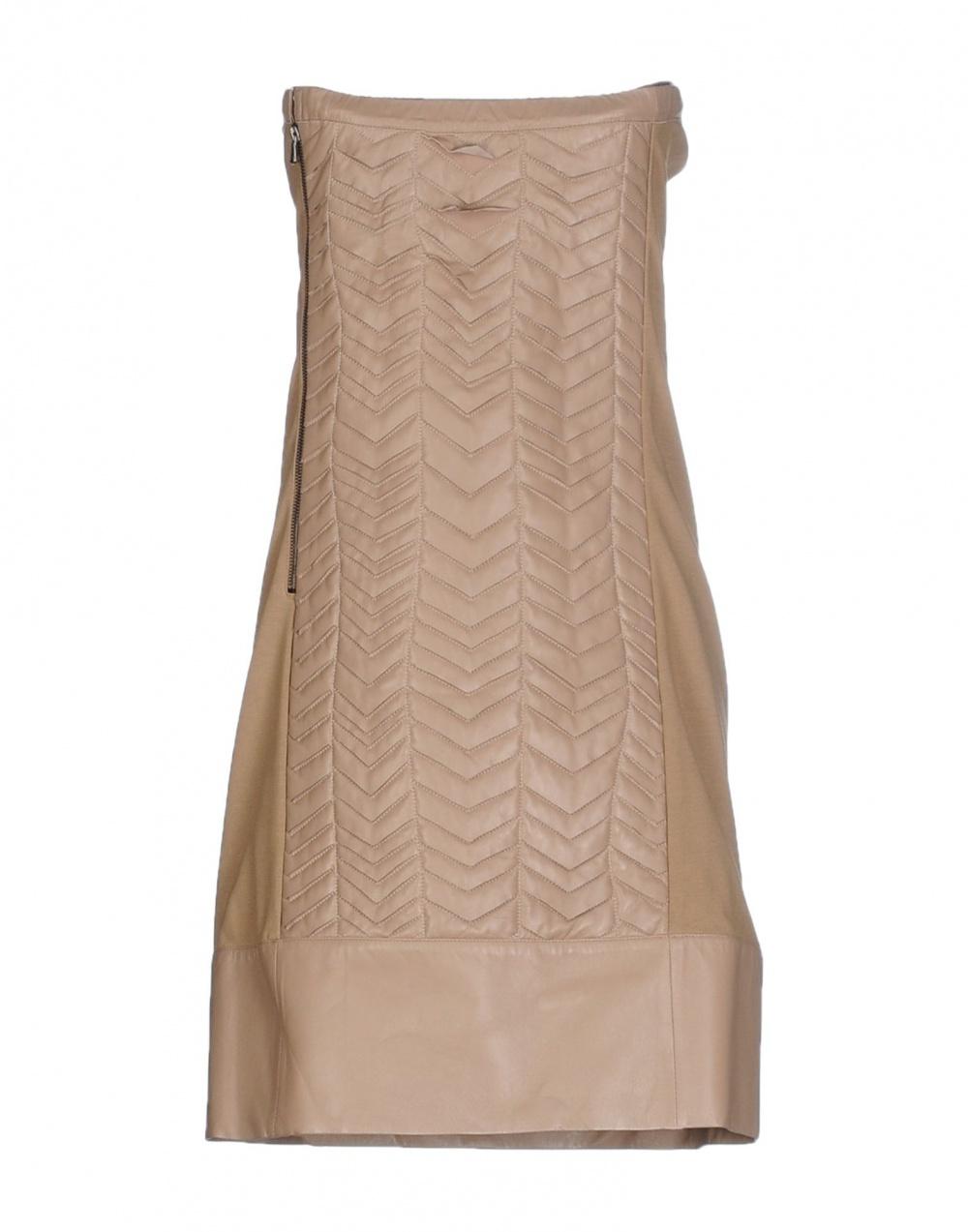 Платье из натуральной кожи, цвет нюд, PATRIZIA PEPE, сделано в Италии.  Размер производителя 44.( На 46 RUS).