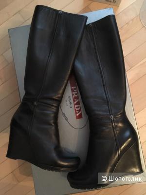 Стильные кожаные сапоги PRADA