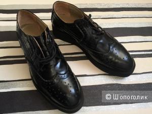 Высокие туфли ботинки