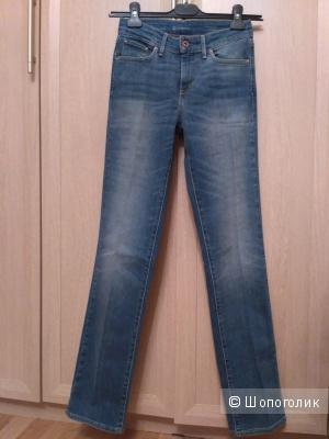 Новые джинсы Levi's, 25