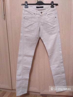 Новые джинсы Calvin Klein, 25