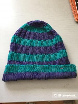 Чудесная шапочка HILFIGER DENIM новая оригинал.