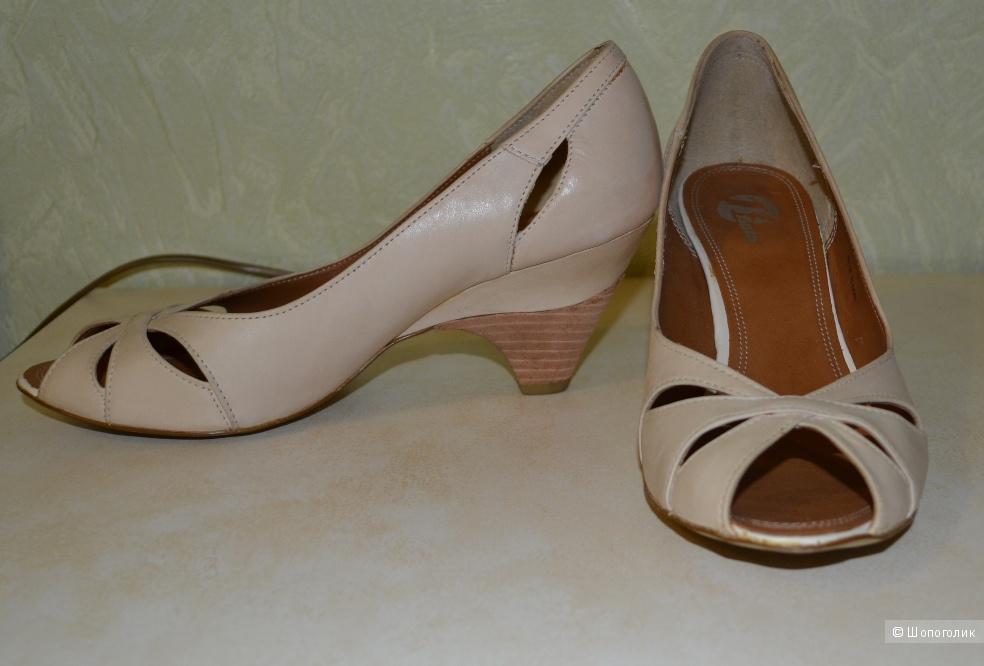 Летние туфельки итальянской фирмы Bata, 39 размер, кожа, б/у