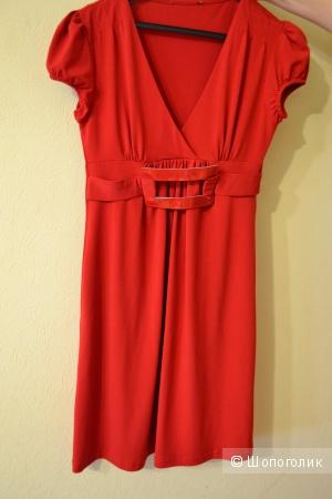 Платье алое, б/у,подойдет на размеры от 40 до 46