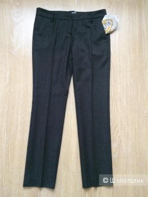 Шерстяные брюки Love Moschino