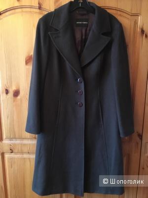 Оливковое кашемировое пальто Emporio Armani размер IT44