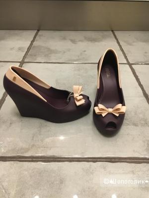 Новые туфли Melissa (мелфлекс) 36-37 рр