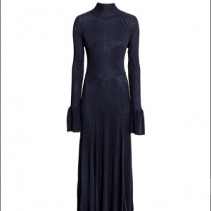Шикарное трикотажное платье HM