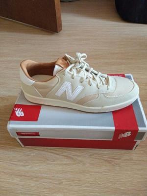 New balance 300 новые, размер 7,5 UK (российский 40)