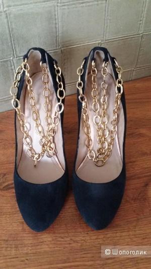 Туфли из натуральной замши Corso Como 38 размер с браслетами из цепей.