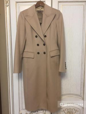 Новое шикарное пальто Gucci. Размер 40it.