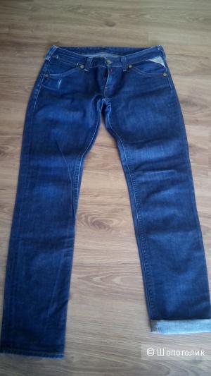 Классные джинсы из плотного коттона Replay