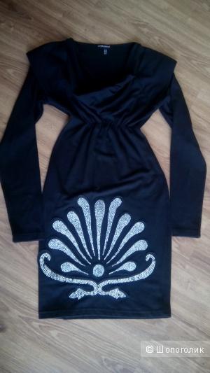 Маленькое черное трикотажное платье Cinema Donna 44 росс.