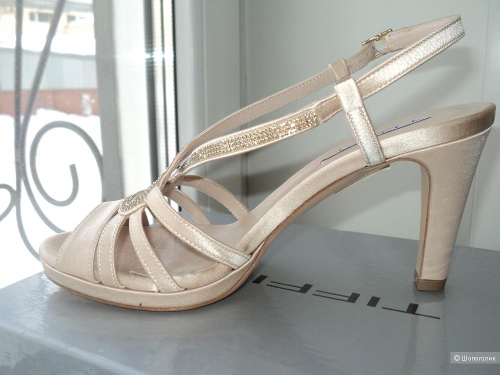 Босоножки женские новые. Италия, бренд Tiffi, 37 размер.