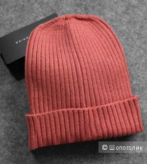 Шапки из zara черная и розовая