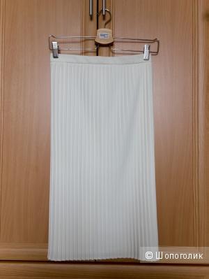 Юбка гофре молочного цвета, размер 42