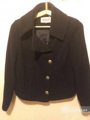 Короткое черное пальто Dekka