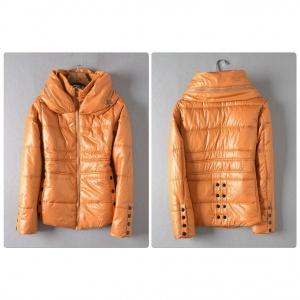 Женская куртка с дутым воротником, р-р 42.