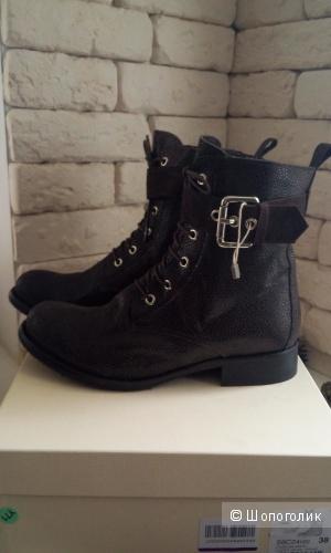 Высокие  ботинки из натуральной кожи  Sgn Giancarlo Paoli 38 размер.