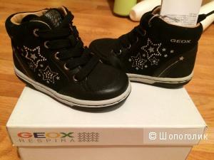 Новые кожаные ботинки Geox, для девочки 1,5-2,5 года
