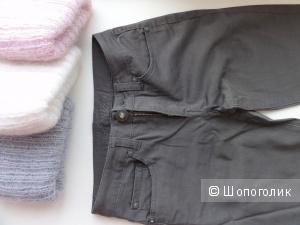Продам серые джинсы маленького размера