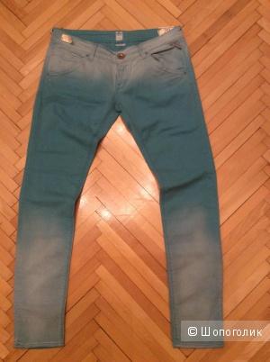 Продам оригинальные итальянские джинсы Replay красивого мятного цвета