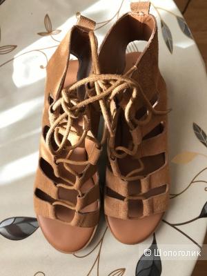 Сандалии на блочном каблуке со шнуровкой New Look