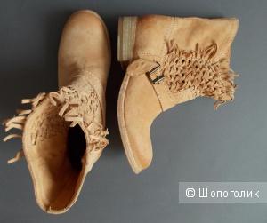 Красивые ботинки от Catarina martins