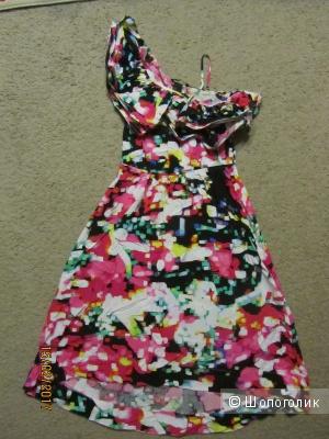 Новое, яркое асимметричное платье на рос. 42 размер.