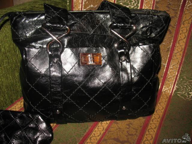 """Стильная кожаная сумка в стиле """"Шанель""""."""