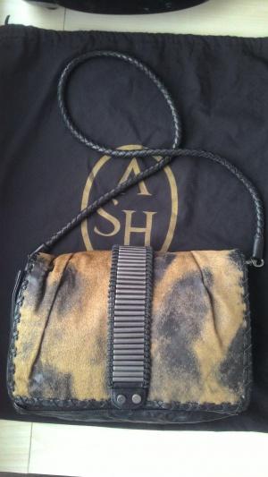 Стильная кожаная сумка ASH