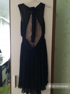 Продам красивое платье размер 42-44