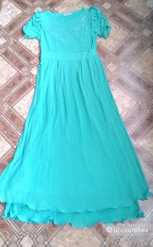 Красивое длинное платье нежно зеленого цвета 46 размер