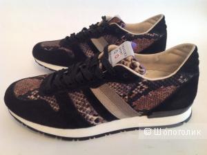 Новые, модные, итальянские кроссовки  бренда SERAFINI SPORT. Замша. Размер 38-38,5