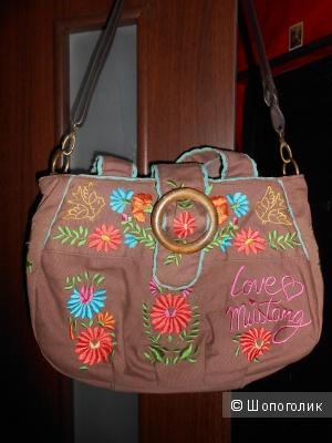 Эксклюзивная сумочка MUSTANG.