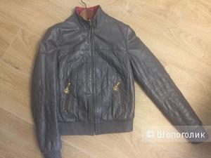 Кожаная куртка Gizia. Размер S-M