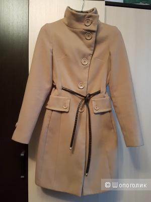 Продам пальто Sportstaff