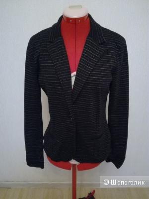 Пиджак трикотажный Bershka (размер L)