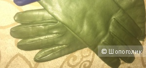 Женские перчатки ИНТРЕНД BY MAXMARA в цвете олива.