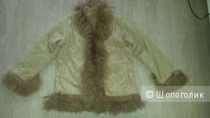 Продам куртку GUESS 52 размер