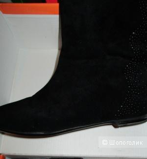 Велюровые ботинки 38 размера (новые)