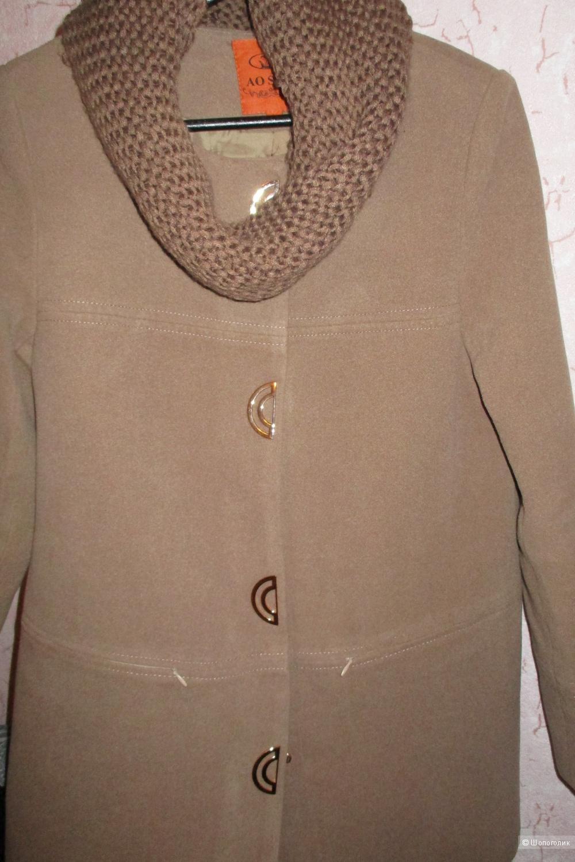 Пальто демисезонное из кашемира 44-46 размера (новое)