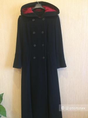 Длинное пальто на шнуровке с капюшоном
