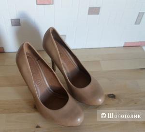 Кожаные туфли ALDO   37 размера
